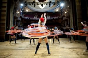uk-most-hula-hoops-spun-simultaneously-by-a-team_6847