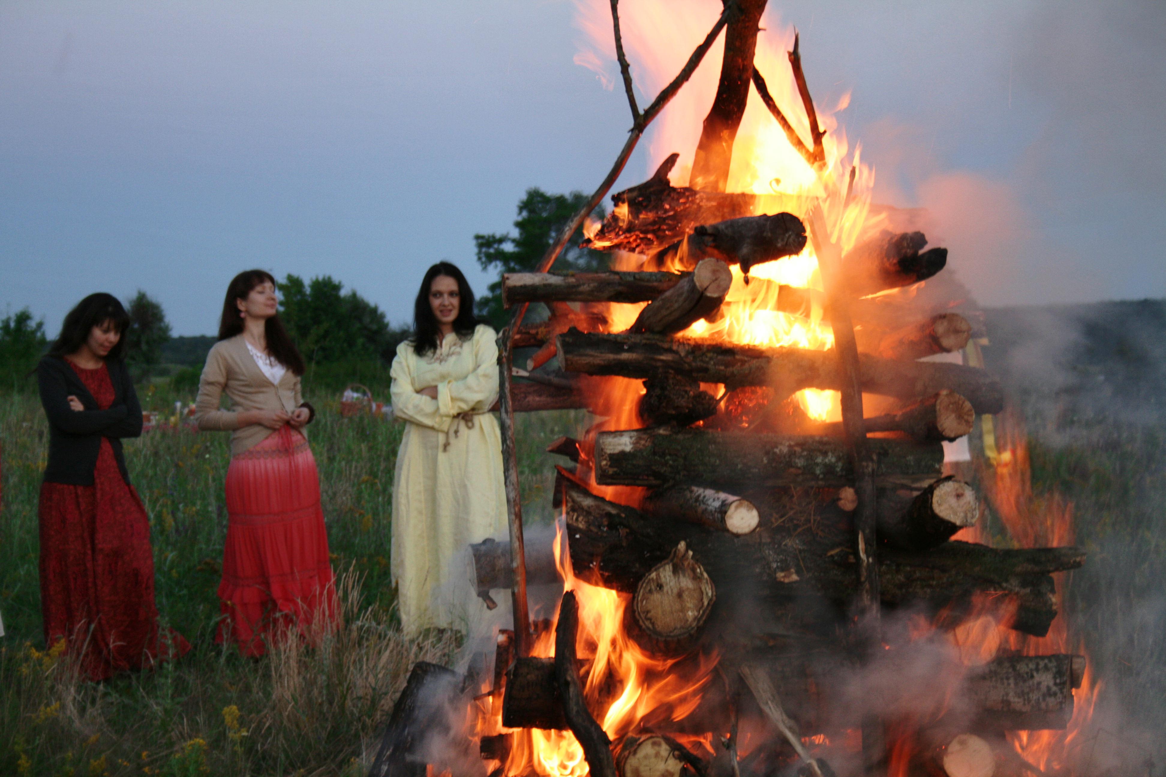 Ivan_Kupala_Day_in_Belgorod_Oblast_2013_09
