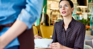 complain-about-bad-service-restaurant-english-abaenglish