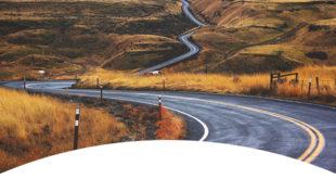strasse-die-durch-landschaft-führt